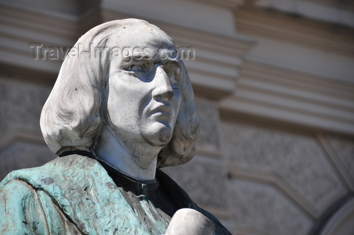 el-salvador43: San Salvador, El Salvador, Central America: National Palace - statue of Christopher Columbus - photo by M.Torres - (c) Travel-Images.com - Stock Photography agency - Image Bank