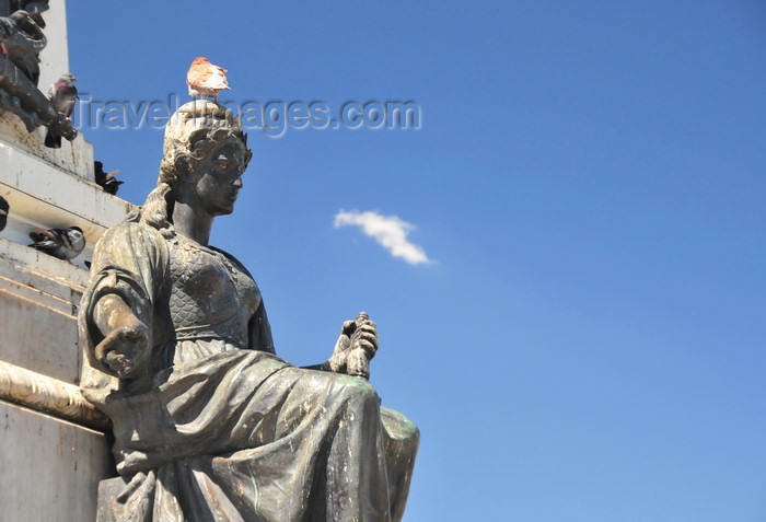 el-salvador57: San Salvador, El Salvador, Central America: Parque Libertad  - Liberty monument - statue at the base of the obelisk - photo by M.Torres - (c) Travel-Images.com - Stock Photography agency - Image Bank