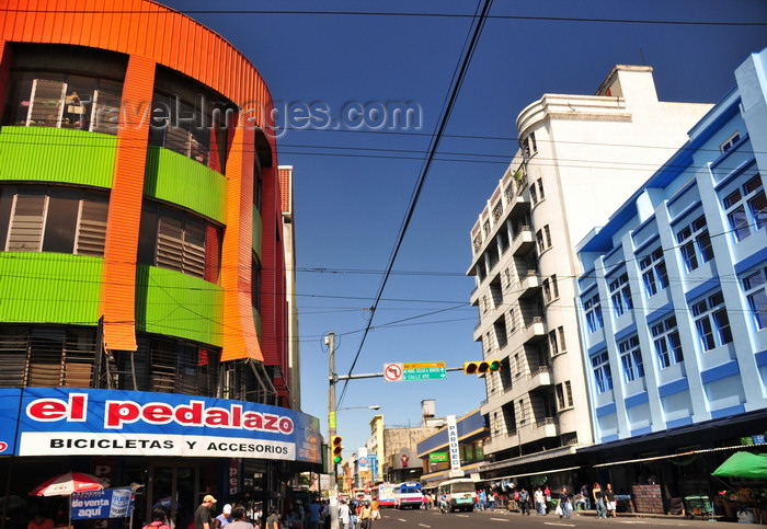 el-salvador64: San Salvador, El Salvador, Central America: looking north along 1a avenida sur - photo by M.Torres - (c) Travel-Images.com - Stock Photography agency - Image Bank
