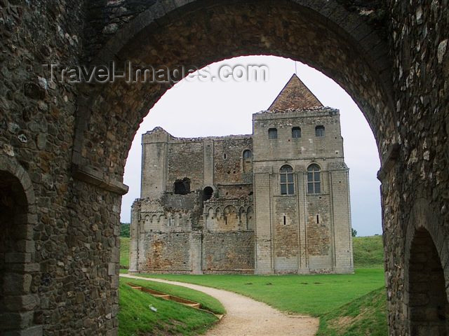england102: Norfolk county: 12th century Norman castle - from the Gatehouse - photo by F.Hoskin - (c) Travel-Images.com - Stock Photography agency - Image Bank