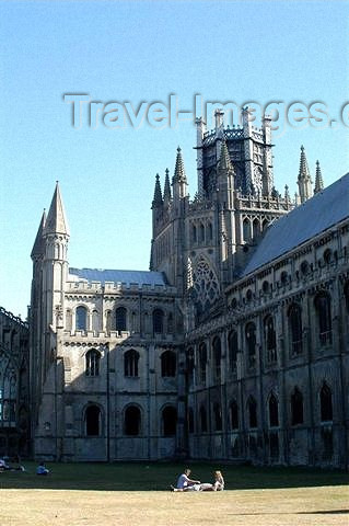 england107: England (UK) - Ely  (Cambridgeshire): the cathedral - Cathedral Church of the Holy and Undivided Trinity of Ely - photo by F.Hoskin - (c) Travel-Images.com - Stock Photography agency - Image Bank