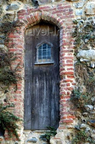 england109: Suffolk: an old castle door stands the test of time - photo by F.Hoskin - (c) Travel-Images.com - Stock Photography agency - Image Bank