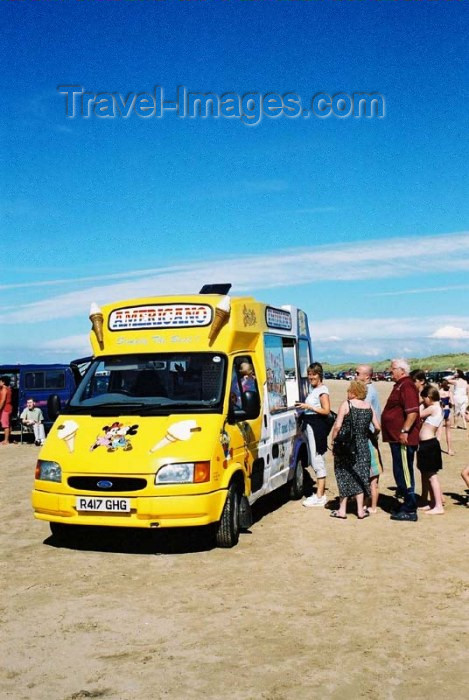england118: England (UK) - Ainsdale (Merseyside): icecream van near the beach - photo by D.Jackson - (c) Travel-Images.com - Stock Photography agency - Image Bank