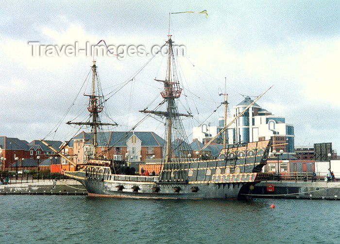 england12: Salford, Greater Manchester, England: Francis Drake's Golden Hind - English galleon - photo by Miguel Torres - (c) Travel-Images.com - Stock Photography agency - Image Bank