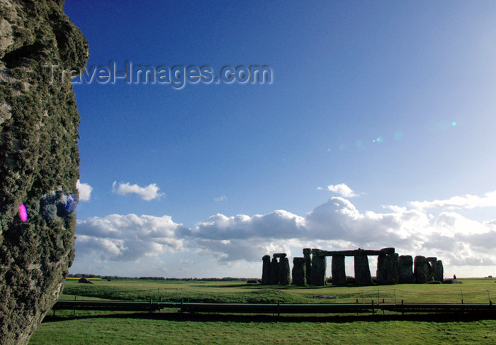 england130: Stonehenge (Wiltshire): in the distance - 'Slaughter Stone' - photo by K.White - (c) Travel-Images.com - Stock Photography agency - Image Bank