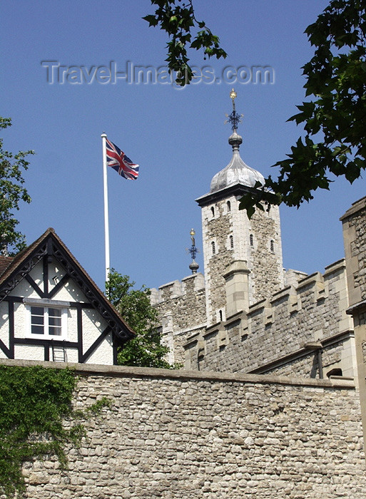england139: London: Tower of London - walls - Her Majesty's Royal Palace and Fortress The Tower of London - UNESCO listed - Tower Hamlets - photo by K.White - (c) Travel-Images.com - Stock Photography agency - Image Bank