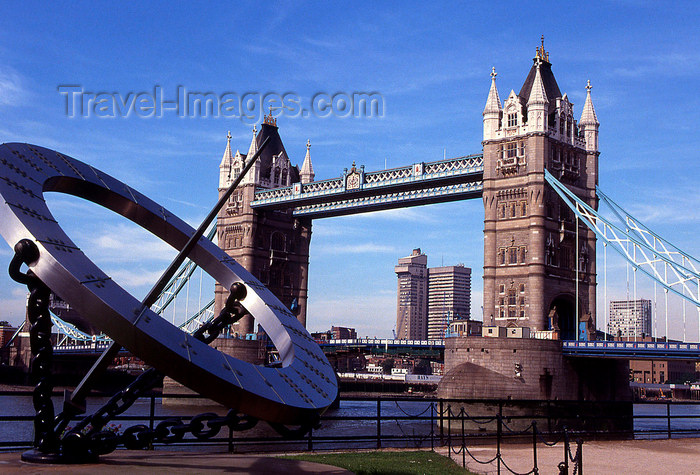 england140: London, England: sun dial by the Tower bridge - photo by B.Henry - (c) Travel-Images.com - Stock Photography agency - Image Bank