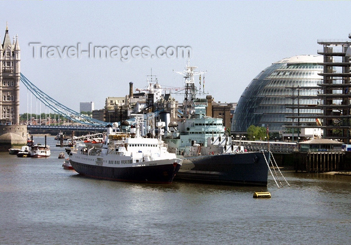 england149: London: City Hall and HMS Belfast - photo by K.White - (c) Travel-Images.com - Stock Photography agency - Image Bank