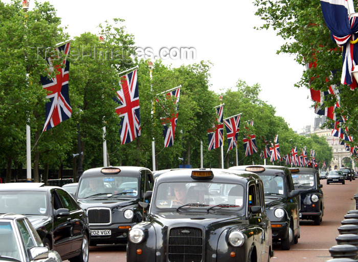 england153: London: London taxis - the Mall - Westminster - photo by K.White - (c) Travel-Images.com - Stock Photography agency - Image Bank