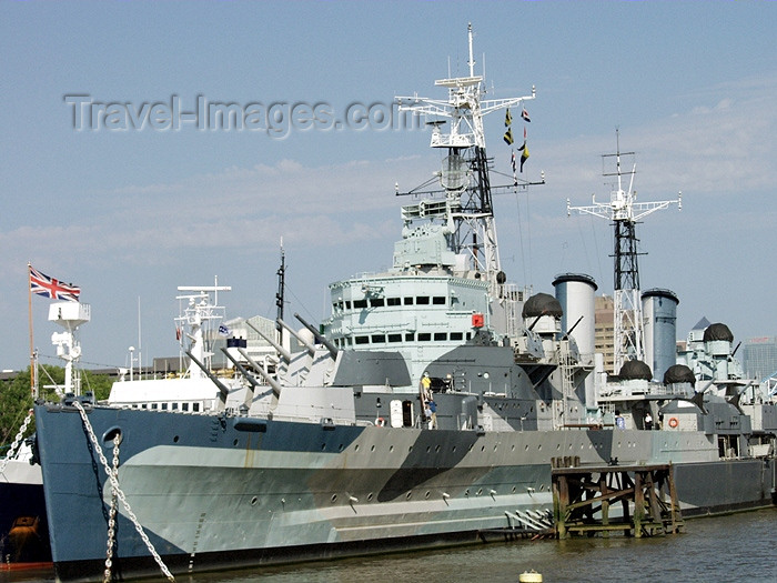 england162: Great Britain - London / Londres: HMS Belfast - the Royal Navy's heaviest ever cruiser- Museum ship - Southwark - photo by K.White - (c) Travel-Images.com - Stock Photography agency - Image Bank