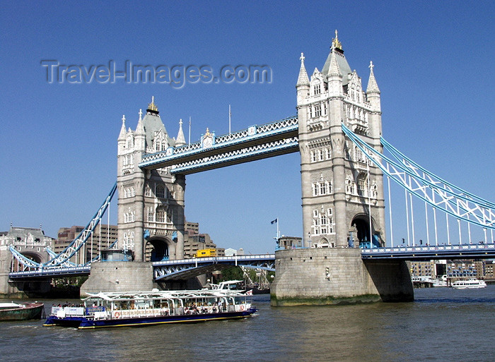 england163: London: Tower bridge and tour boat - Thames river - photo by K.White - (c) Travel-Images.com - Stock Photography agency - Image Bank