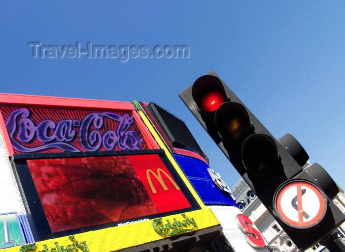england167: London, England: Piccadilly circus - traffic lights - photo by K.White - (c) Travel-Images.com - Stock Photography agency - Image Bank
