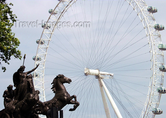 england169: London: British Airways London Eye and Statue of Bodicea - photo by K.White - (c) Travel-Images.com - Stock Photography agency - Image Bank