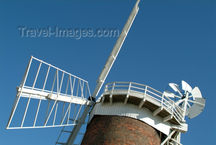 england212: Horsey broad (Norfolk): Horsey Mill - detail of the top - fantail - windmill / windpump - photo by K.White - (c) Travel-Images.com - Stock Photography agency - Image Bank
