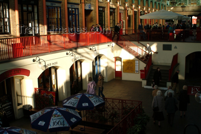 england214: England - London: Covent garden - photo by K.White - (c) Travel-Images.com - Stock Photography agency - Image Bank