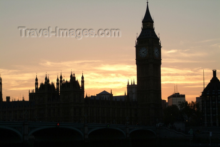 england222: London: Big Ben and Houses of Parliament at sunset - silhouette - photo by K.White - (c) Travel-Images.com - Stock Photography agency - Image Bank