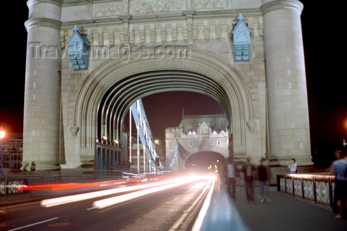 england246: London: crossing Tower bridge - nocturnal - lights - traffic - photo by M.Bergsma - (c) Travel-Images.com - Stock Photography agency - Image Bank