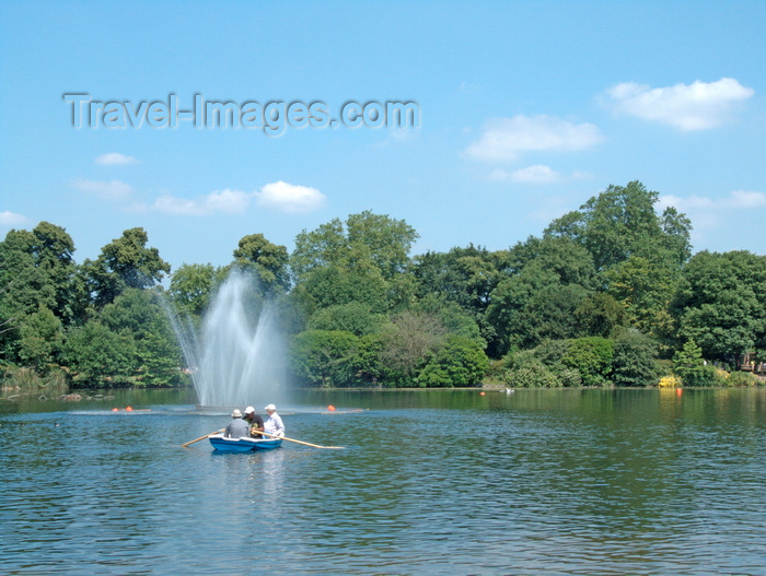 england273: London, England: Victoria Park, Hackney - photo by A.Bartel - (c) Travel-Images.com - Stock Photography agency - Image Bank