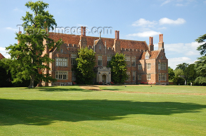 england274: Mapledurham, Oxfordshire, South East England, UK: Mapledurham Estate - Elizabethan stately home - photo by T.Marshall - (c) Travel-Images.com - Stock Photography agency - Image Bank