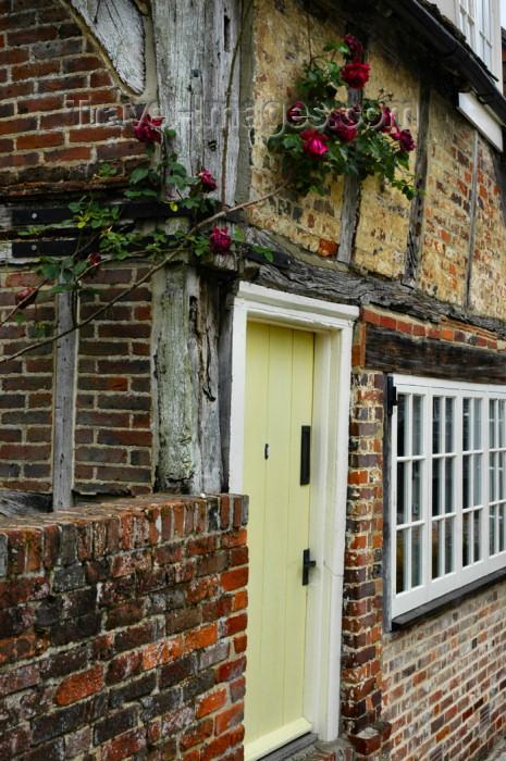 england279: England (UK) - Alresford (Hampshire): English cottage - detail - photo by T.Marshall - (c) Travel-Images.com - Stock Photography agency - Image Bank