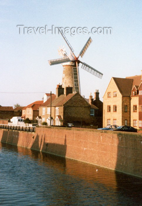 england28: Boston - Lincolnshire, England (UK): windmill waiting for Don Quixote - photo by M.Torres - (c) Travel-Images.com - Stock Photography agency - Image Bank