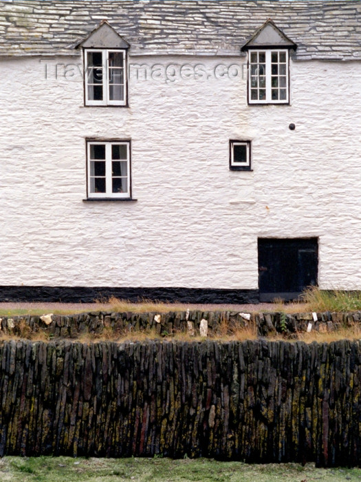 england284: England - Boscastle (Cornwall): Cornish cottage (photo by T.Marshall) - (c) Travel-Images.com - Stock Photography agency - Image Bank