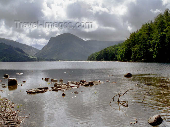 england288: England (UK) - Buttermere - Lake District  (Cumbria): Buttermere lake and Cumbrian mountains II (photo by T.Marshall) - (c) Travel-Images.com - Stock Photography agency - Image Bank