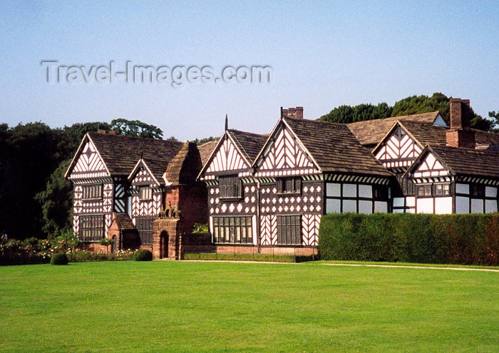 england29: Liverpool, Merseyside, North West England, UK: Speke Hall - wood-framed Tudor manor house - wattle and daub structure - photo by M.Torres - (c) Travel-Images.com - Stock Photography agency - Image Bank