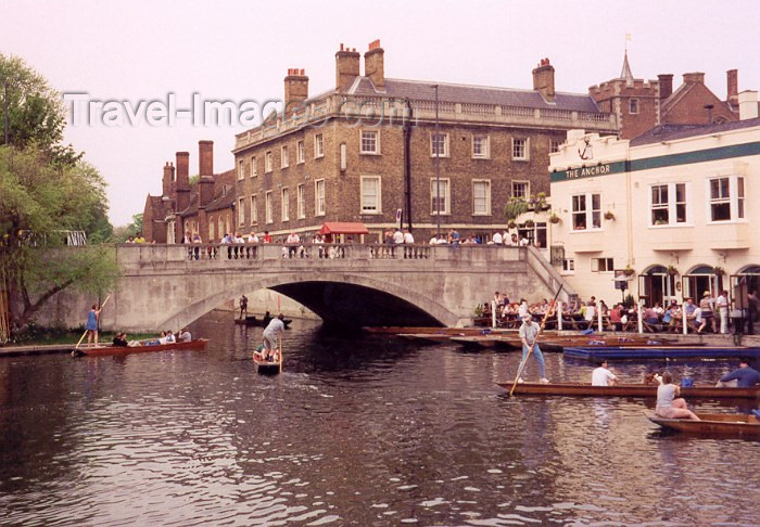 england3: England (UK) - Cambridge (Cambridgeshire): Lazy afternoons - pub - the anchor - photo by M.Torres - (c) Travel-Images.com - Stock Photography agency - Image Bank