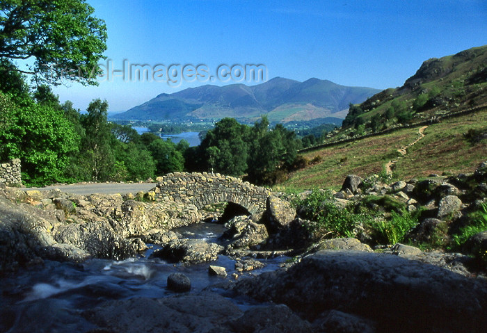 england316: England (UK) - Keswick - Lake District: Ashness bridge - packhorse bridge (photo by T.Brown) - (c) Travel-Images.com - Stock Photography agency - Image Bank