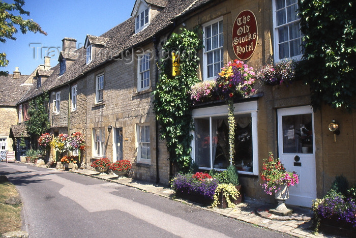 england339: England (UK) - Stow-on-the-Wold (Gloucestershire): Old Stocks Hotel - Cotswolds - photo by T.Brown - (c) Travel-Images.com - Stock Photography agency - Image Bank