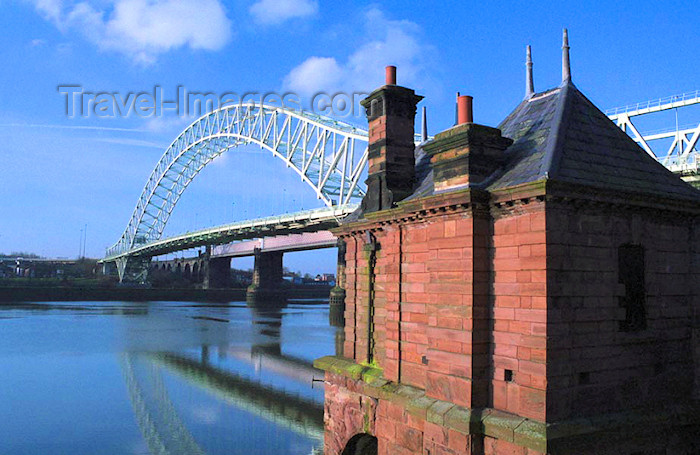 england344: UK - England - Widnes: Runcorn-Widnes Road Bridge - The Silver Jubilee Bridge - photo by D.Jackson - (c) Travel-Images.com - Stock Photography agency - Image Bank