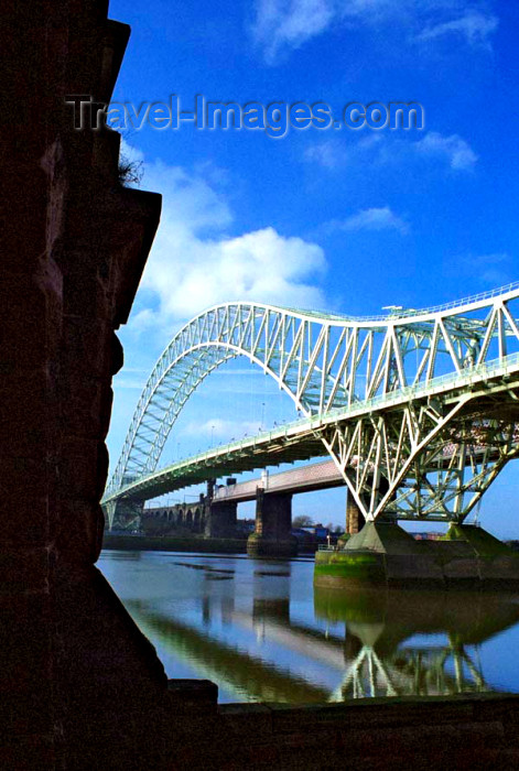 england347: UK - England - Widnes: Runcorn-Widnes Road Bridge - The Silver Jubilee Bridge - compression arch suspended-deck bridge over the River Mersey - photo by D.Jackson - (c) Travel-Images.com - Stock Photography agency - Image Bank