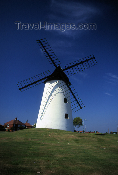 england358: Blackpool - Lancashire, England, UK: windmill - Mereside, The Fylde - photo by T.Brown - (c) Travel-Images.com - Stock Photography agency - Image Bank