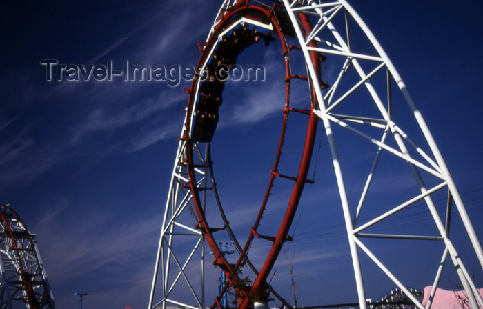 england363: England (UK) - Blackpool: Roller coaster - Pepsimax ride - photo by T.Brown - (c) Travel-Images.com - Stock Photography agency - Image Bank