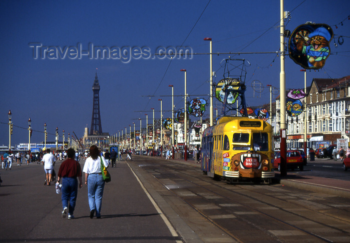 england366: England (UK) - Blackpool: tram on the promenade - photo by T.Brown - (c) Travel-Images.com - Stock Photography agency - Image Bank