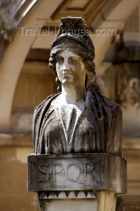 england369: England - Bath (Somerset county - Avon): Bath: Statue of a Roman woman at the Roman Baths - SPQR - Senatus Populusque Romanus,The Senate and the Roman People - photo by C. McEachern - (c) Travel-Images.com - Stock Photography agency - Image Bank