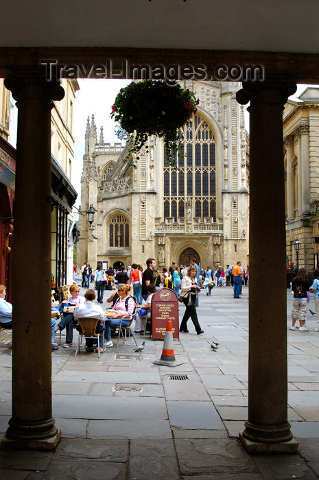 england376: England - Bath (Somerset county - Avon): Entrance to the square and Bath Cathedral at the Roman Baths - photo by C. McEachern - (c) Travel-Images.com - Stock Photography agency - Image Bank