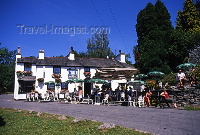 england399: England - Elterwater - Lake District - Cumbria - the village - Britannia inn - photo by Tony Brown - (c) Travel-Images.com - Stock Photography agency - Image Bank
