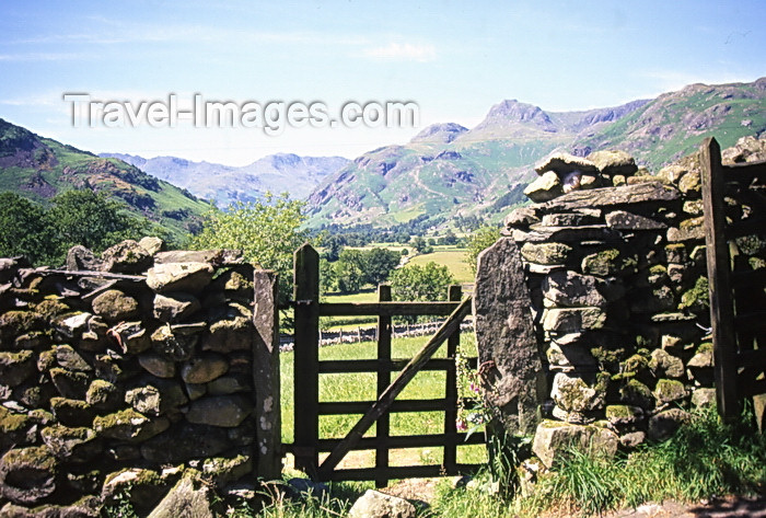 england400: England - Great Langdale valley - Lake District - Cumbria - gate to the mountains - photo by Tony Brown - (c) Travel-Images.com - Stock Photography agency - Image Bank