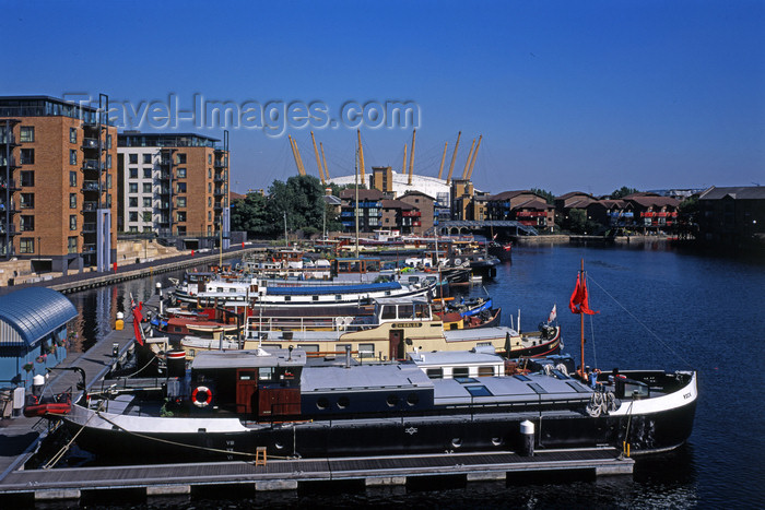 england408: England - London, Greenwich: Millennium Dome - the O2 - the largest domed structure in the world - architect Richard Rogers, engineered by Buro Happold - Greenwich Peninsula - photo by A.Bartel - (c) Travel-Images.com - Stock Photography agency - Image Bank