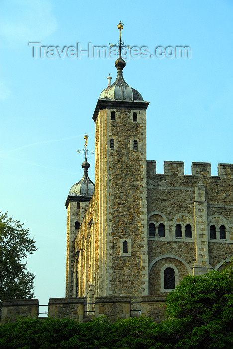 england455: London: Tower of London - White tower - photo by M.Torres - (c) Travel-Images.com - Stock Photography agency - Image Bank