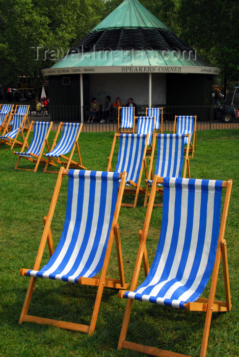 england477: London: deck chairs near Speakers Corner - Hyde Park - photo by M.Torres - (c) Travel-Images.com - Stock Photography agency - Image Bank
