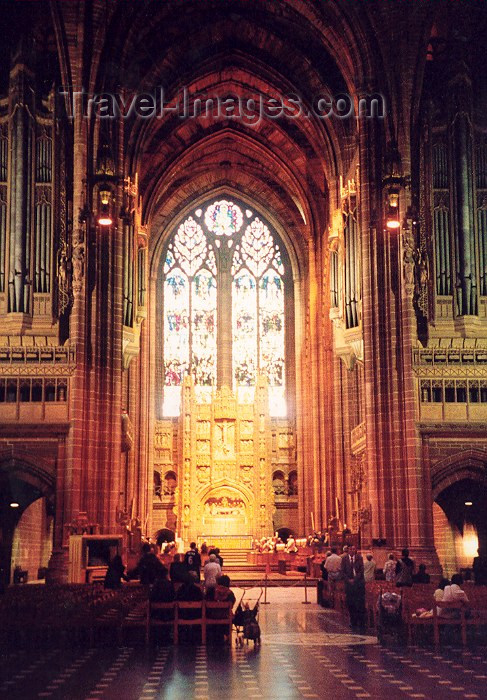 england48: Liverpool, Merseyside, North West England, UK: at the mass - inside Liverpool Anglican Cathedral - photo by M.Torres - (c) Travel-Images.com - Stock Photography agency - Image Bank