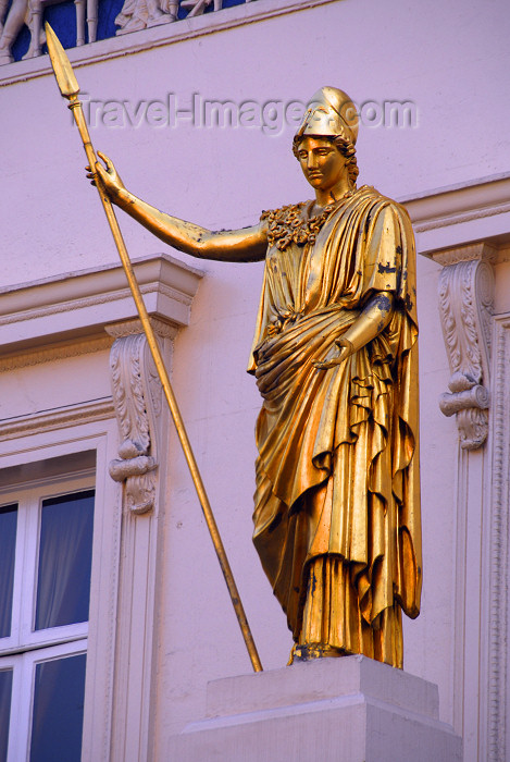 england482: London: Athena - Greek figure on Waterloo Place - the Athenaeum Club - gentlemen's club - architect Decimus Burton - City of Westminster - photo by M.Torres / Travel-Images.com - (c) Travel-Images.com - Stock Photography agency - Image Bank