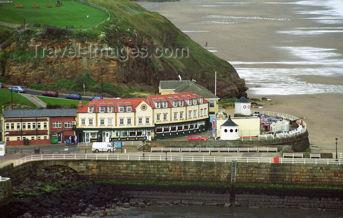 england502: Whitby, North Yorkshire, England: Battery Parade and Whitby Sands viewed from Abbey Plain - photo by D.Jackson - (c) Travel-Images.com - Stock Photography agency - Image Bank