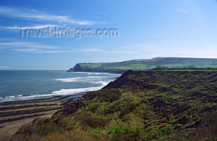 england509: Robin Hood's Bay, North Yorkshire: Looking south to Old Peak (South Cheek) and Ravenscar from clifftop above Robin Hood's Bay - photo by D.Jackson - (c) Travel-Images.com - Stock Photography agency - Image Bank