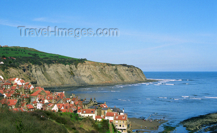 england512: Robin Hood's Bay, North Yorkshire, England: Bay Town town and the North Sea - photo by D.Jackson - (c) Travel-Images.com - Stock Photography agency - Image Bank