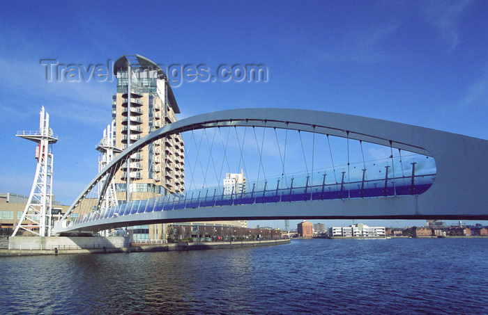 england515: Salford Quays, Salford, England: The Lowry (Lifting) Footbridge - photo by D.Jackson - (c) Travel-Images.com - Stock Photography agency - Image Bank