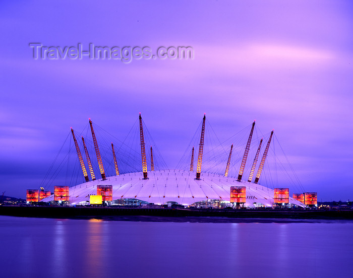 england532: Greenwich, London, England: Millennium Dome - giant steel and tensioned fabric tent - architect Richard Rogers - O2 entertainment district - Greenwich Peninsula - photo by A.Bartel - (c) Travel-Images.com - Stock Photography agency - Image Bank